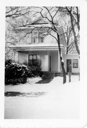 White house Martin City (1).jpg